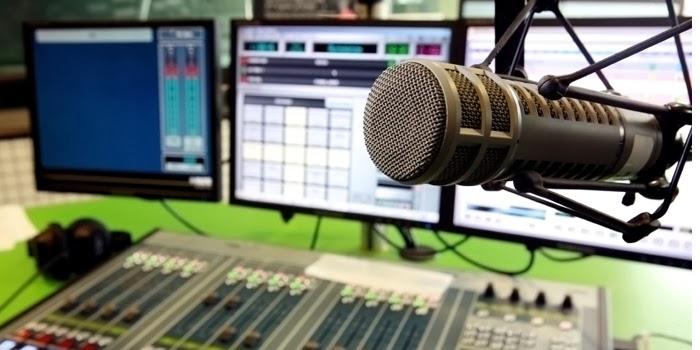 estúdio_rádio_capa-1